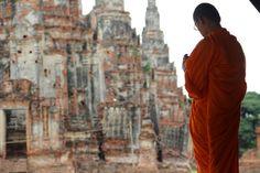 Wat Chaiwatthanaram temple ruin in Ayutthaya, Thailand - World Adventurers [27 photos]
