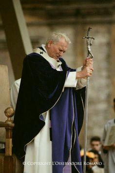 Catholic Saints, Roman Catholic, Pape Jeans, Papa Juan Pablo Ii, Pope John Paul Ii, Paul 2, Catholic Pictures, Blessed Mother Mary, Papa Francisco