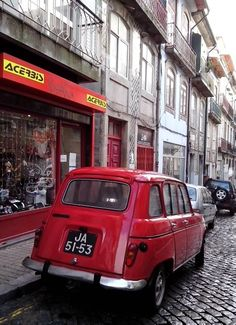Renault 4L (red, j'aime)