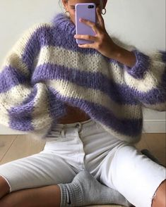 Macrame Mania – The Age-Aged Artwork Of Knotting Is Back With A Haute Couture Flavor – By Zazok Knitted Capelet, Rainbow Sweater, Angora, Mohair Sweater, Knit Fashion, Long Sweaters, Sweater Weather, Hand Knitting, Knitwear