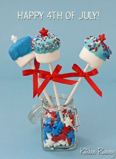 4th of July Marshmallow Pops--these are adorable:)