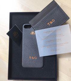 Gri iphonecase&kartlik Kisiyeozel harfbaski . #serapaktugleathergoods #gri #iphonekilif #kartlik #deriaksesuar #deriiphonekilif #kisiyeozel #harfbaski #handcrafted #personalized #iphonecase #cardholder #unisex #accessories #basedinistanbul