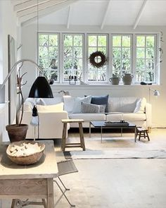 Summer House Interiors, Swedish Cottage, Small Living, Slow Living, Cottage Homes, Coastal Decor, Murphy Beds, Home Living Room, Interior Inspiration