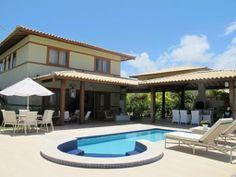Praia do Forte - Linda casa 4 suítes em excelente condomínio.