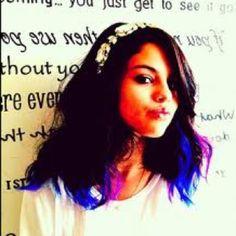Selena Gomez got colorful highlights!