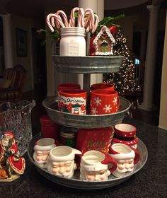 Christmas Trees Christmas Trees Decorated Christmas Trees Themes Christmas Trees Happy New Year Christmas Coffee, Christmas Kitchen, Country Christmas, Christmas Home, White Christmas, Christmas Holidays, Pallet Christmas, Celebrating Christmas, Christmas Poinsettia
