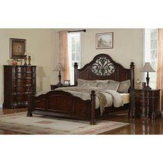 Heritage Manor Poster Bed Set.
