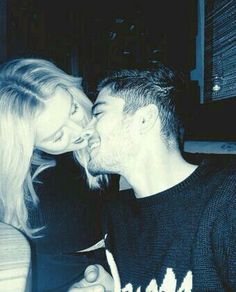 Zerrie the most adorable couple♥ and I love how zayn has been posting all these selfies lately ☺️