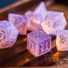 Dungeons And Dragons Dice, Dragon Dies, Family Game Night, Family Games, Dnd Characters, Pen And Paper, Tabletop Games, Hand Engraving, Goblin