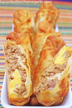 Cheeseburger Eggrolls by Bacon, Butter, Cheese & Garlic Egg Roll Recipes, Beef Recipes, Great Recipes, Cooking Recipes, Favorite Recipes, Hamburger Recipes, Bacon And Butter, Butter Cheese, Cheeseburger Eggrolls