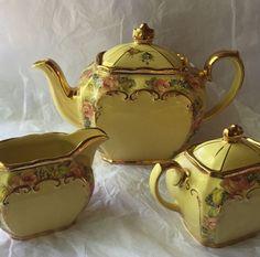 Vintage Sadler Cube Tea Pot Cream & Sugar Set Floral Yellow Excellent Condition
