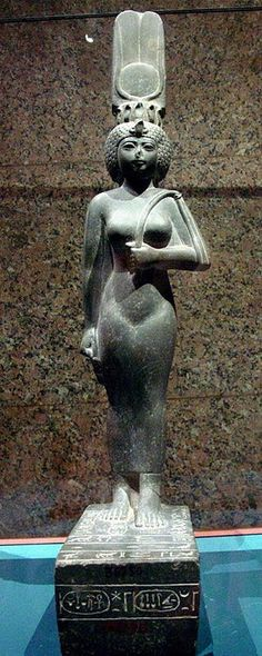 Statue of the God's Wife of Amun and Divine Adoratrice of Amun, Ankhnesneferibre.God's Wife of Amun was the highest-ranking priestess of the Amun cult,an important religious institution in ancient Egypt. Kemet Egypt, Egyptian Pharaohs, Ancient Egyptian Artifacts, Ancient History, European History, Ancient Aliens, American History, Old Egypt, Egypt Art