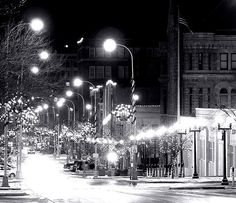 """Sioux Falls"" christmas 2004 downtown night 