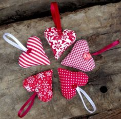 Karácsonyi díszek - 5 db piros-fehér szív egy csomagban, Dekoráció, Karácsonyi, adventi apróságok, Karácsonyfadísz, Karácsonyi dekoráció, Meska