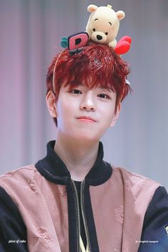 My wreaked in stray kids sometimes bias too😅😅tho Lee Min Ho, Elvis Presley, Sung Lee, Stray Kids Seungmin, Peinados Pin Up, Korean Boy, Fandom, Survival, Lee Know