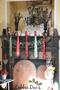 Christmas mantel decorating ideas from the dollar tree and Homegoods