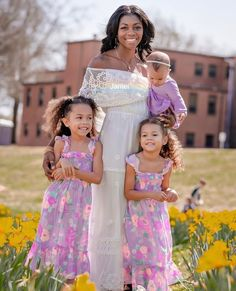 #blackmom #momlife #mom #daughter #interracialfamily #mixedgirls #kidsfashion #kidshairstyles #love #motherhood #motherlove White Man, Black And White, Interracial Family, Mixed Girls, Mothers Love, Black Women, Flower Girl Dresses, Dating, Mom Daughter