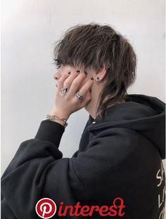 マッシュウルフ ウルフマッシュ ウルフ:L031257418|アクシー 渋谷店(AXY)のヘアカタログ|ホットペッパービューティー マッシュウルフ ウルフマッシュ ウルフ:L031257418|アクシー 渋谷店(AXY)のヘアカタログ|ホットペッパービューティー Mullet Haircut, Mullet Hairstyle, Shot Hair Styles, Curly Hair Styles, Hair Inspo, Hair Inspiration, Androgynous Hair, Aesthetic Hair, Cut My Hair