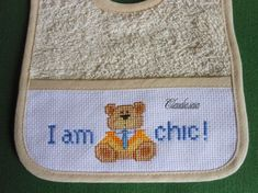 Bavaglino Orsetto I am chic_2 - della categoria Punto Croce dall'album di Claudia.iaia.