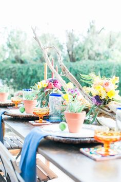 Tablescape for a mexican inspired wedding the creative team venue colorful fiesta wedding inspiration perfect for cinco de mayo on a beautiful ranch planned by bloom blueprint event co captured by lauren buman malvernweather Image collections