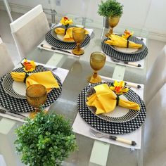 Place settings in black, white and yellow ~ Table Place Settings, Beautiful Table Settings, Metal Candle Holders, Table Set Up, Dinning Table, Table Arrangements, Kitchen Decor, Table Decorations, Home Decor