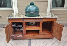 Big Green Egg Table Design Ideas, Pictures, Remodel and Decor Big Green Egg Outdoor Kitchen, Green Egg Bbq, Big Green Egg Table, Big Green Egg Grill, Green Eggs, Kamado Grill, Kamado Joe, Outdoor Drinking Fountain, Grill Table
