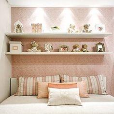 Delicada composição de tecidos e papel de parede!