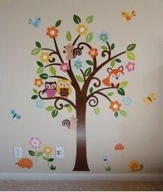 Owl wall decals for a nursery - Adorable!!! This would match Kaylee's room perfectly! Gotta find this!