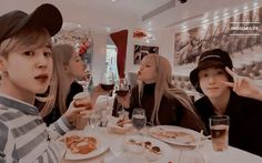 Rose and jungkook.Lisa and jimin Bts Girlfriends, Besties, Bts Twice, Kpop Couples, Divas, Blackpink And Bts, Korean Couple, Jimin Jungkook, Taehyung