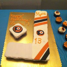 Flyers cupcake birthday cake!