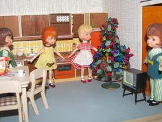Vintage dolls | Source: Retro Mama69 @ Flickr