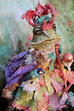 Frog Prince and his little carriage by Merveillesenpapier on Etsy