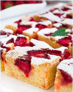 Budyniowe ciasto z truskawkami - I Love Bake Polish Desserts, Sweets Cake, Strawberry Cakes, Nutella, Oreo, Cheesecake, Deserts, Food And Drink, Cooking Recipes