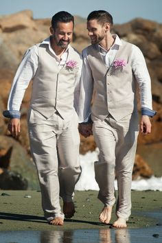 Celebrity Weddings: Danny Pintauro's serene beach wedding  |  The Frosted Petticoat