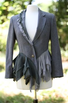 Anchor Jacket / Medium / Upcycled / Wool Jacket / One of a kind by Irinale, via Etsy. Diy Clothing, Sewing Clothes, Recycled Fashion, Recycled Denim, Altered Couture, Diy Fashion, Fashion Design, Blazer, Creations
