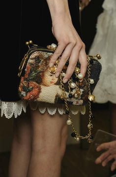 × Such a lovely purse / #details #elegance