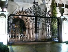 entrance to garden gates House Front Gate, Front Gates, Entrance Gates, Grand Entrance, Fancy Fence, Security Gates, Driveway Entrance, Steel Gate, Wrought Iron Gates
