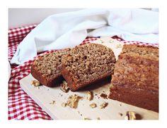 Bananenkuchen mit Vollkornmehl / Banana Cake with Whole-Wheat Flour