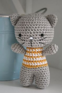 Small cat with joined legs – free amigurumi pattern, thanks so for sharing Freebie xox