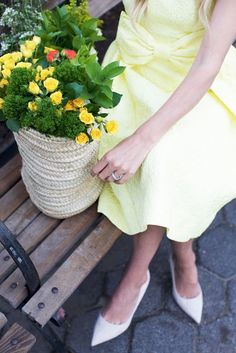 mellow yellow // bows & blooms