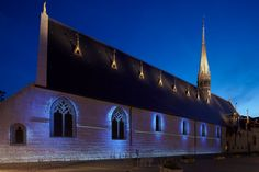 Church of Beaune in Burgundy, France. Architectural design and lighting: Jean-François Touchard - Lighting products: iGuzzini illuminazione - Photographed by Didier Boy de la Tour. #iGuzzini #Light #Lighting #colors