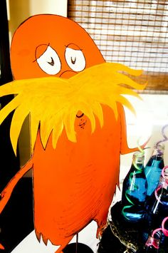 Dr. Seuss Baby Shower - freehand onto orange poster board.