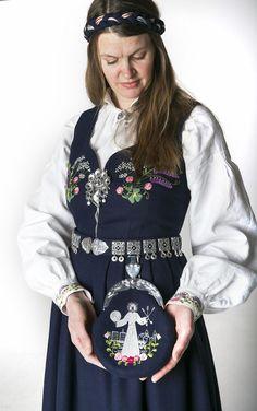 Oslobunad mørk eller lys blå til konfirmasjon eller 17.mai 2017! | FINN.no Norway, Bomber Jacket, Clothing, Jackets, Fashion, Outfits, Down Jackets, Moda, Fashion Styles