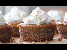 These Mini Pumpkin Pie Bites are dairy free, gluten free and absolutely delicious. The crusts are made of pecans, coconut and maple syrup while the pumpkin f. Mini Pumpkin Pies, Pumpkin Pie Recipes, Mini Pumpkins, Mini Pies, Thanksgiving Desserts, Holiday Desserts, Holiday Recipes, The Cream, Sin Gluten