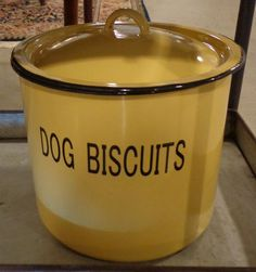 Covered box #galeriem #montreal #dog #accent #decor Dog Biscuits, Covered Boxes, Montreal, Accent Decor, Crock, Jars, Classic, Derby, Pots