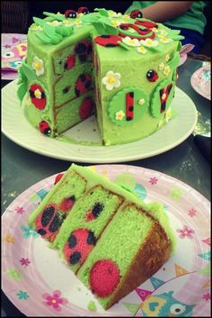 I just realised that I'd shared pictures of the fondant decorations I made for my nieces ladybird cake, and had shown the process of baking the cake, but had completely forgotten to write a p… Pretty Cakes, Cute Cakes, Yummy Cakes, Cake Cookies, Cupcake Cakes, Rose Cupcake, Ladybird Cake, Surprise Inside Cake, Ladybug Cakes