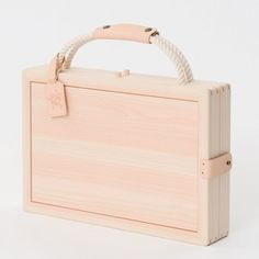 This little drawing case from Japanese cypress opens up and folds nicely into a stool. By Kana Nakanishi of Oiseau