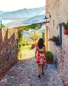 On instagram by rusfra90 #landscape #contratahotel (o) http://ift.tt/1QCkhbf Remember a lonely walk in summer day.  #italy #italia #foto_italiane #holiday #vacation #travelling #sun #hot #love #ilove #instatravel #traveler #instalive #instalife #gf_italy #colore_italiano #igersitalia #nikonitalia #nikontop #nikon_photography_ #picoftheday #instagood #1x5 #d3100 #liguria #sea #mountains