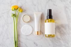 Astrologer Sandra Sitron of Strong Eye Astrology reveals your ideal scent based on your horoscope. Arthritis, Meaning Of Calm, Essential Oil Pack, Vetiver Oil, Astrology Signs, Astrological Sign, Zodiac Signs, Chamomile Oil, Frankincense Oil