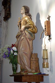 Santa Bárbara de la iglesia de Soto del Barco, Asturias